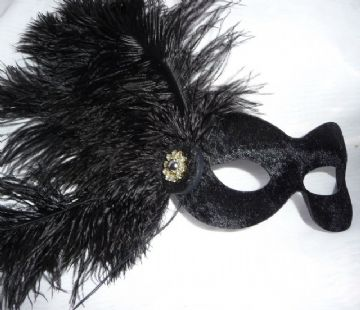 Black velor feathered Petite Mask
